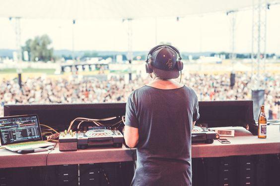 WLAN für Musikfestivals - Für das größte Electro und House Festival in…