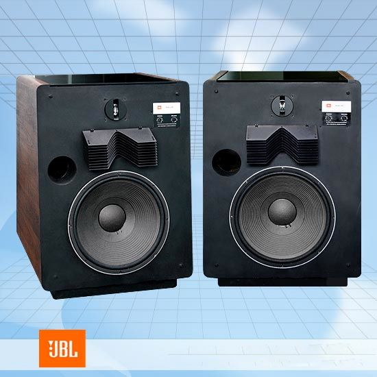 The Superb Jbl L 300 Was Based On One Of Their Studio Monitors 3 Way Design With 15 Inch Bass Reflex Woofer Acoustic Lens Horn Midrang Audio Diffusore Musica
