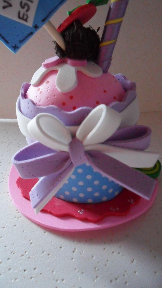 Mundo Encantado do Artesanato: Cupcake de eva