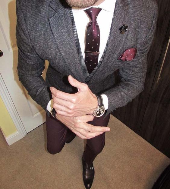 it is all in details // urban men // polka dot tie // mens fashion // menswear // urban life // city boys // city living // mens suit // watches // mens accessories //