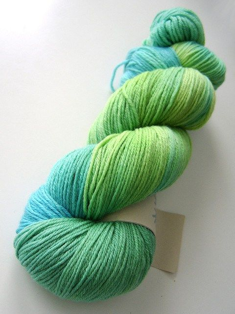 How To Skein (or Reskein) Yarn for Free | Exchanging Fire