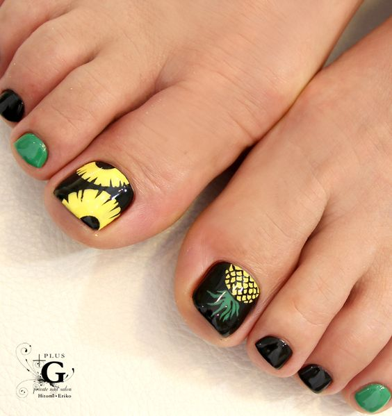 Mode pop pinapple art pedi #nail #foot: