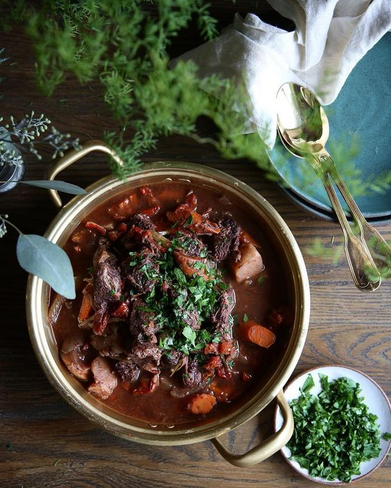 Bring it on Fall  it's slow cooker season. Slow Cooker Red Wine Short Rib Stew. I'm pretty sure gold spoons make this taste better. #thejudylab #thisisfall #wwllt