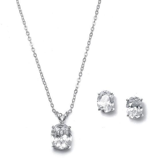 Simple elegance necklace set