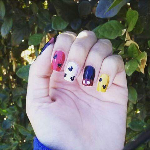 #unhas #unhasdecoradas #euquemfiz #façavocêmesmo #diy #nail #nailstagram #nailart #mickey #mickeymouse #colorful #unhasdasemana #dicasdeunhasbr: