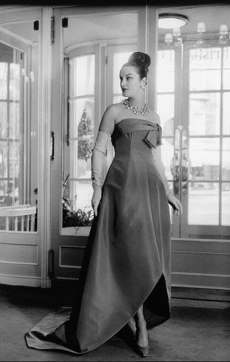 1958 - evening gown by Yves Saint Laurent for Dior, photo by Willy Maywald www.vintageclothin.com
