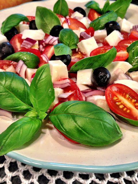 Rustikk bondesalat med tomat og mozzarelle