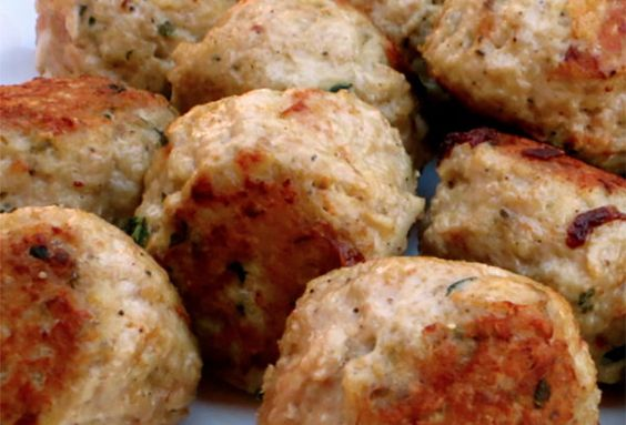 These Italian chicken meatballs are tasty, low-calorie meatballs you ...