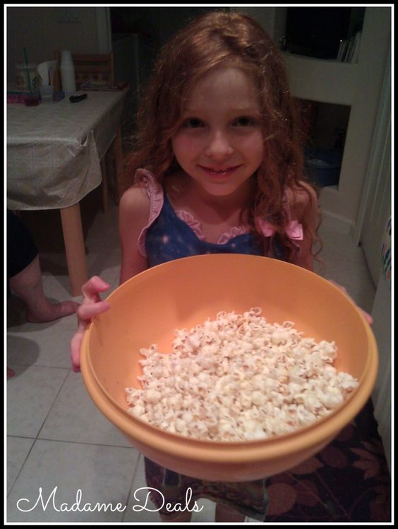 Healthy Snack Recipes for Kids: Chili Cheese Popcorn - Madame Deals, Inc. - http://madamedeals.com/healthy-snack-recipes-for-kids-chili-cheese-popcorn/