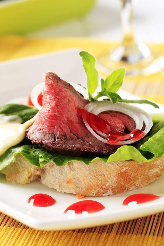 Open faced roast beef sandwich. Yes, please.