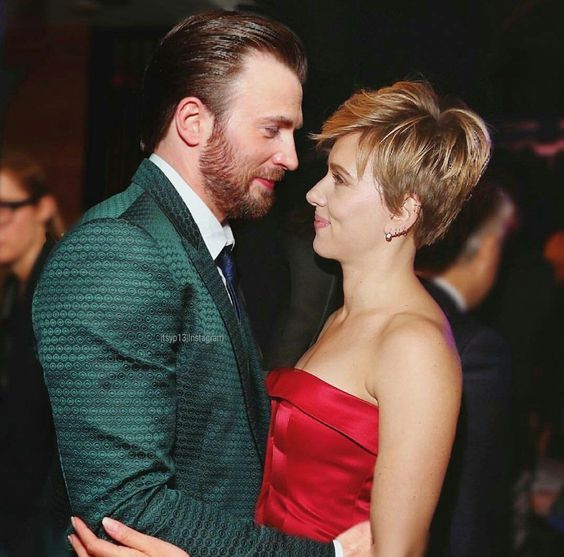 Scarlett Johansson And Chris Evan Scarlettjohansson Chrisevan Marvel In 2020 Chris Evans Scarlett Johansson Chris Evans Chris Evans Captain America