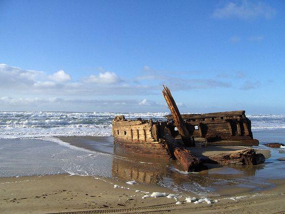Coos Bay mystery shipwreck at Horsfall Beach by oregonkat, via Flickr - Coos Bay Oregon