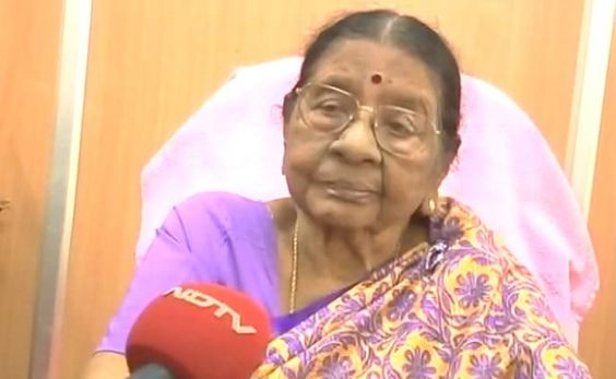 Chennai ungal kaiyil. Veteran AIADMK leader and Tamil Nadu State Commission for Women chairperson Visalakshi Nedunchezhian (92) died yesterday. #chennaiungalkaiyil. Political updates chennai Political issues Tamil Nadu Advertising website in Chennai Current updates of Chennai Chennai City News