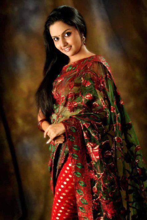 Mahima Nambiar in Saree | Veethi