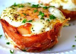 Ingin menyantap yang praktis dan padat nutrisi buat makan malam atau sarapan? Roti panggang ini bisa jadi alternatif. Berisi daging asap, telur, dan keju. Lelehan saus putih yang gurih lembut menambah lezat sajian yang satu ini : Special Egg Toast  www.infojajan.com