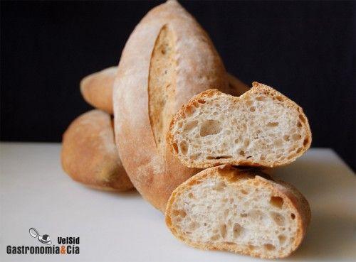 Dentro de las distintas recetas del Pain de Campagne, podemos optar por la elaboración de panes individuales para ofrecer a nuestros comensales su ración de pan, claro, que en muchos casos deberemos dar la opción de repetir, sobre todo si son panes tan ricos como estos Panecillos de Campagne.Como os hemos comentado en otras ocasiones, el Pain de campagne es un pan artesano de origen francés que se caracteriza por tener una proporción de harina integral, puede ser de trigo o de centeno…