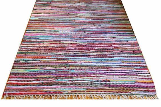 Ein klassischer Fleckerteppich für schönes Wohnen. Dieser Teppich ist für Wohnzimmer, Kinderzimmer,Schlaffzimmer, Diele oder Esszimmer auch als Treppenläufer geeignet.100% Handgewebter Klassischer Fleckerlteppich aus Bumwollstreifen.Der Teppich ist fest gewebt. Er liegt sehr robust und stabil am Boden.Beidseitig nutzbar, Fußbodenheizung geeignet. Bunt, Elegeant und zeitlos.Angenehmer Tritt durch ca. einen cm dicke, auch als Sitz- und Liegefläche zu benutzen.   Versand: 5,90 EUR040 - 18 04…