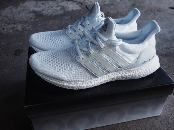 Grail Acquired - Adidas Ultraboost J&D 'White'  Been chasing these since release. I even had them in hand and put them back.  It's been a long time coming. The details on these are ridiculous. This is the one pair of Ultraboost that are worth the hunt.  @boostvibes #boostvibes @modernnotoriety #modernnotoriety by rob_o_sully