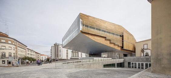 Ombú: Centro Cultural en Castelo Branco Devesa •...