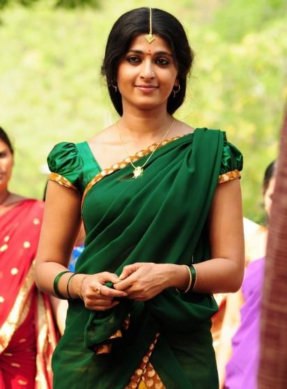 Anushka Shetty hot hd Half Saree photos   wallpaper1.net ...