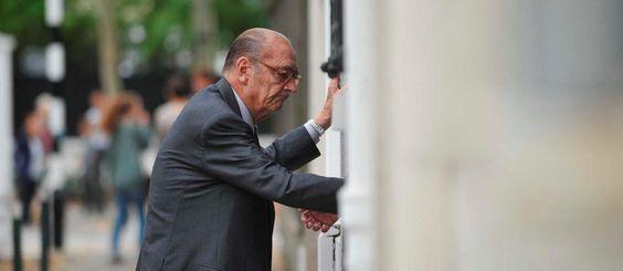 Jacques Chirac: vent d'inquiétude malgré un diagnostic bien vague https://t.co/ejFrT2sHa3 https://t.co/eCEgPCQMXM