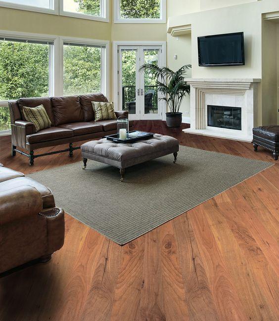 Dále un look cálido a tu casa combinando tapetes con piso laminado ...