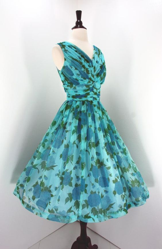The most perfect 50's dress ever!