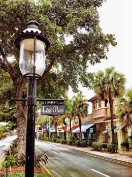 The beautiful, historic Las Olas Boulevard. Things to do in Fort Lauderdale. For free