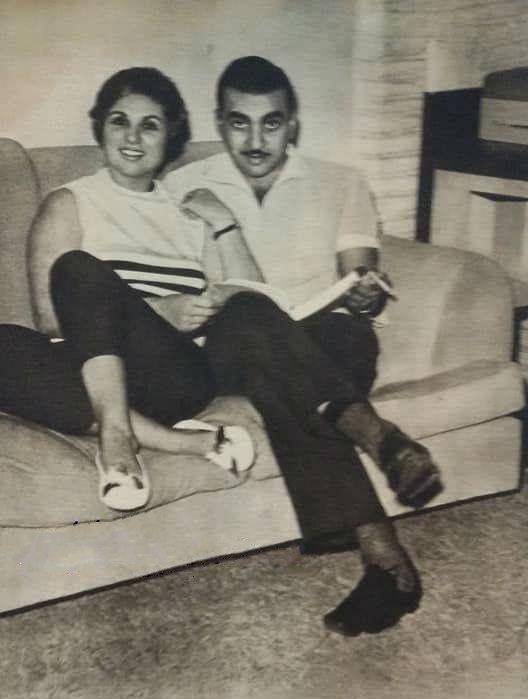 صباح مع زوجها الثالث الاعلامى احمد فراج تم الزواج 1960 واستمر الزواج 3 سنوات Egyptian Actress Egyptian Movies Egypt History