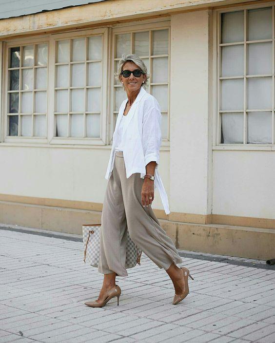 BLAZER BRANCO COM PANTACOURT BEGE - @margapau - #blazer #pantacourt #moda #estilo #tendência #tendencia #modafeminina #modaderua #estiloderua #streetstyle #streetfashion #outfitt #ootd #outfitoftheday #outfitideas #lookdodia #look #blogueira #blogueirademoda #blogdemoda #fashionista #GostoDisto