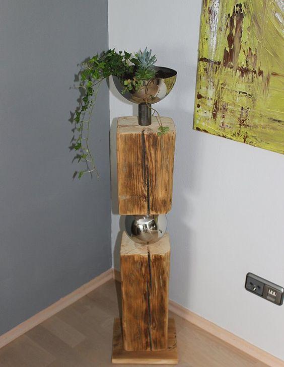 GS03 – Exklusive Dekosäule! Altes Holz zweigeteilt, verbunden mit einer Edelstahlkugel! Dekoriert mit einer Edelstahlschale zum bepflanzen! Preis 139,90€
