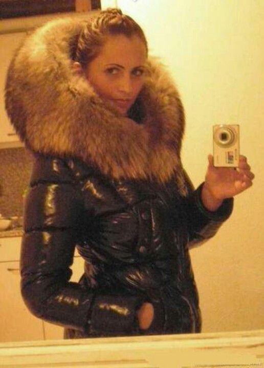 Sexy puffy jacket with massive fur hood | Fur | Pinterest | Sexy a ...