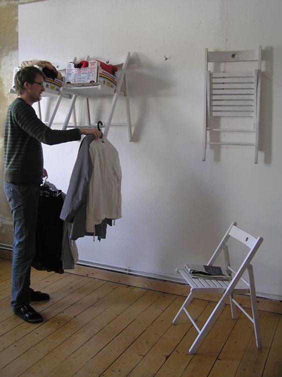 Stühle als Garderobe