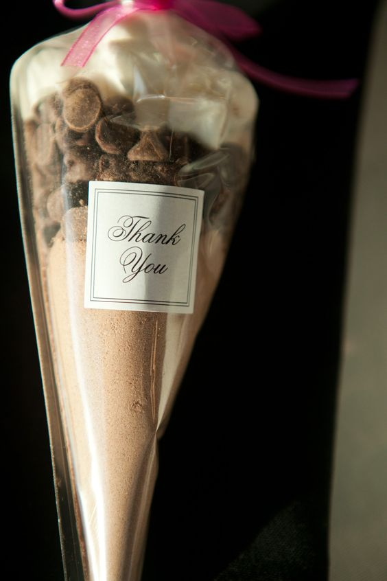 Such a cute party favor idea for guests! #Minnesota #weddings and great teacher gifts :)