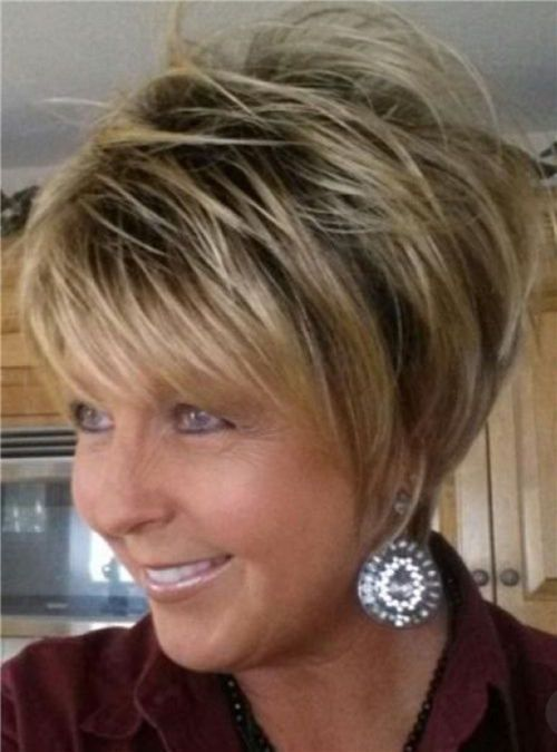 Short Hairstyles For Women Over 50 To Look Younger In 2020 In 2020 Thick Hair Styles Cute Hairstyles For Short Hair Short Hair With Layers