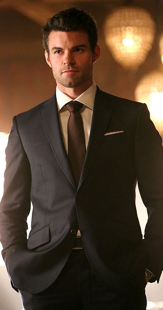 Pictures & Photos of Daniel Gillies - IMDb