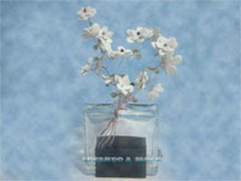 Como hacer flores con hilo de aluminio y goma eva - Manualidades con hilo ...