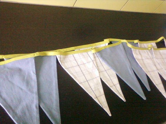 vlaggenlijn van een oud hemd en restje stof en mijn zelfgemaakte b-lint