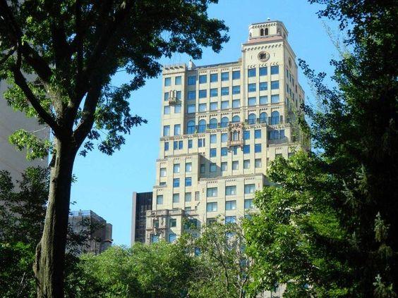 Beste Lage direkt am Central Park und ein traditionsreicher Name, der Qualität verpsricht - das Ritz Carlton New York. Mehr Infos: http://www.itravel.de/USA/Ritz-Carlton-New-York-Central-Park/1075/?utm_source=Pinterest&utm_medium=Socialmedia&utm_campaign=Pinterest