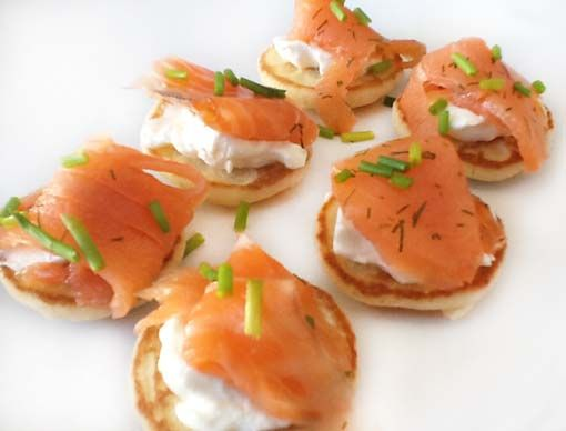 Salmon and canapes on pinterest for Canape en ingles