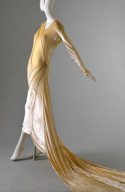 Madeline Vionnet. Bye bye corsets, hello bias cut and draping. So beautiful. cIrca 1930