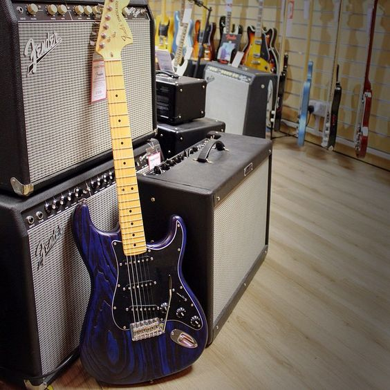 It's hard to have the Monday Blues when you're testing out the latest Fender Guitars and Amps  #WeLoveMondays #TGIMonday - Photo: Lincoln MR @fenderguitar Guitar: Fender Limited Edition Sandblasted Strat with Ash Body -  #Monday#musicroom#musicroomlincoln#music#fender#fenderguitars#guitars#amps#fenderamps#sound#rock#blues#rhythm#glastonbury#festivals#excitd#fun#happy#work#friends#lincoln#england#instagood#instamusic