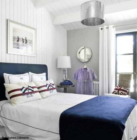 love the simplicity of this bed with the nautical pillows nick 39 s bedroom future guest room. Black Bedroom Furniture Sets. Home Design Ideas