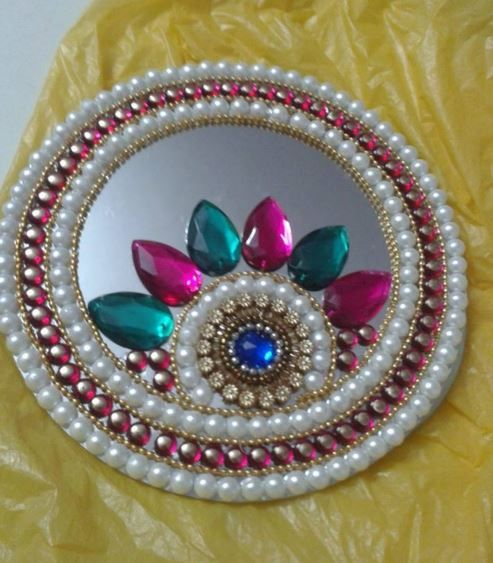 Circles homemade and diy and crafts on pinterest for Aarti thali decoration with kundan