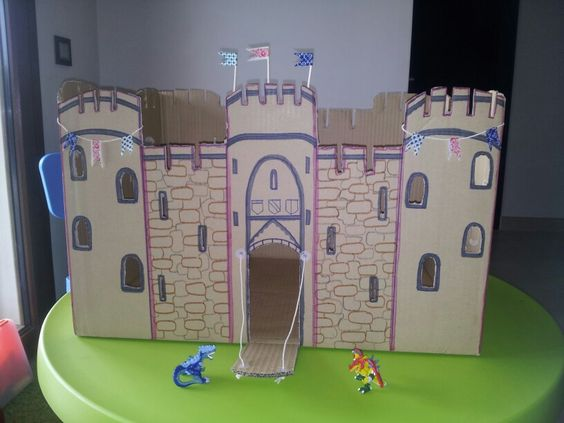 Medieval and tape on pinterest - Manualidades castillo medieval ...