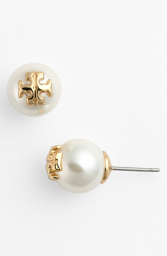 So classic and chic! Could wear these Tory Burch pearl stud earrings every day.