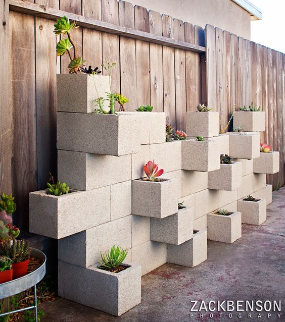 Ideas para tener un patio de maravilla usando el reciclaje! You won't believe how cool your patio can look using recycling materials