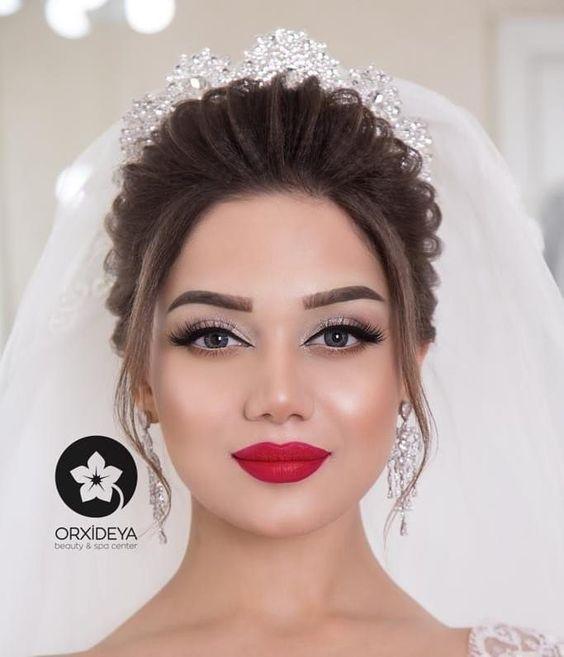 Pin By Ibrahimnasralla On Makyaj Stilleri Makeup Styles Wedding Hair Beauty Bridal Hair And Makeup Gorgeous Wedding Makeup