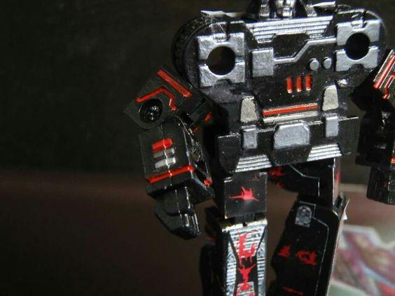 #custranz Carnage #customtransformer #decepticon cassette chest #detail #transformers #g1 #creative #designer