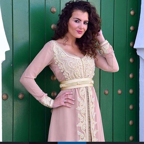 caftan marocain 2016 caftan moderne de luxe vendre caftan marocain boutique caftans. Black Bedroom Furniture Sets. Home Design Ideas